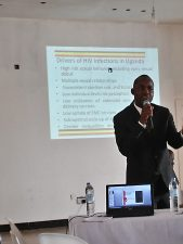 Dr Dan Byamukama (Head HIV Prevention) of Uganda AIDS Commission presenterar